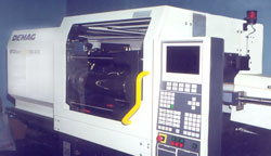 Injection molding machines for the production of wads